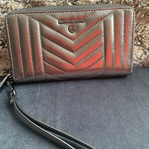 Large Quilted Metallic Leather Smartphone Wristlet